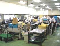 工場内作業風景(選別・袋詰め)